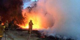 Incendio reduce a ceniza colmado en Montellano