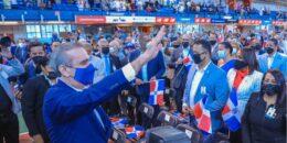 Abinader juramentó 1,200 jóvenes como ciudadanos dominicanos
